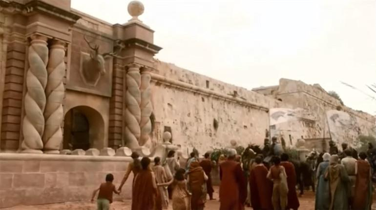 Gate of the Gods in King's Landing - Game of Thrones