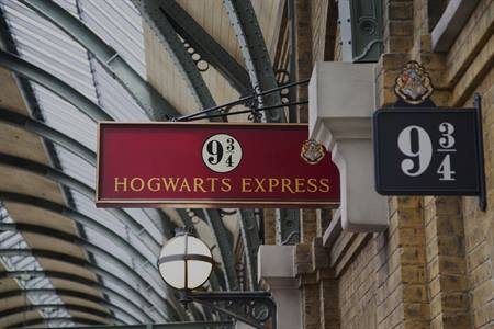 Harry Potter 9 3/4 platform Kings Cross Londen