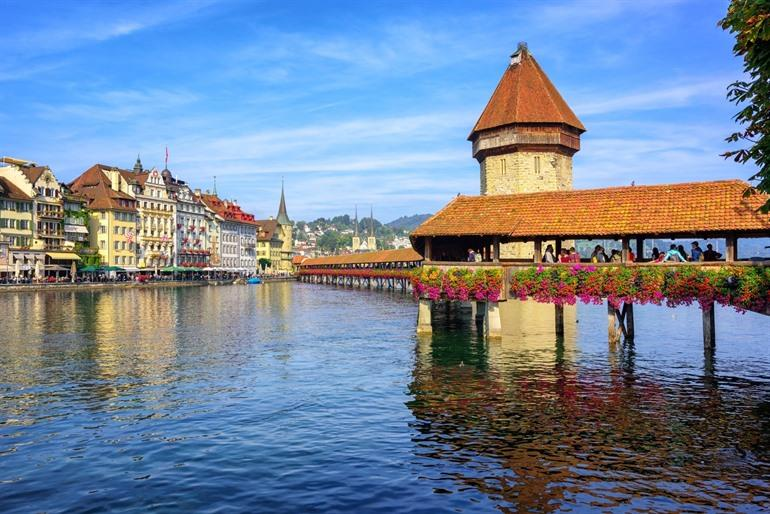 Luzern, De Golden Pass